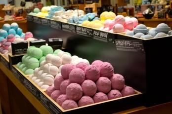 Lush-bath-bombs